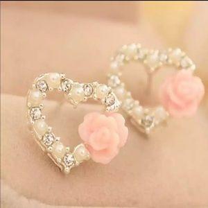 Jewelry - Brand New Beautiful Pearl Rhinestone Rose Earrings